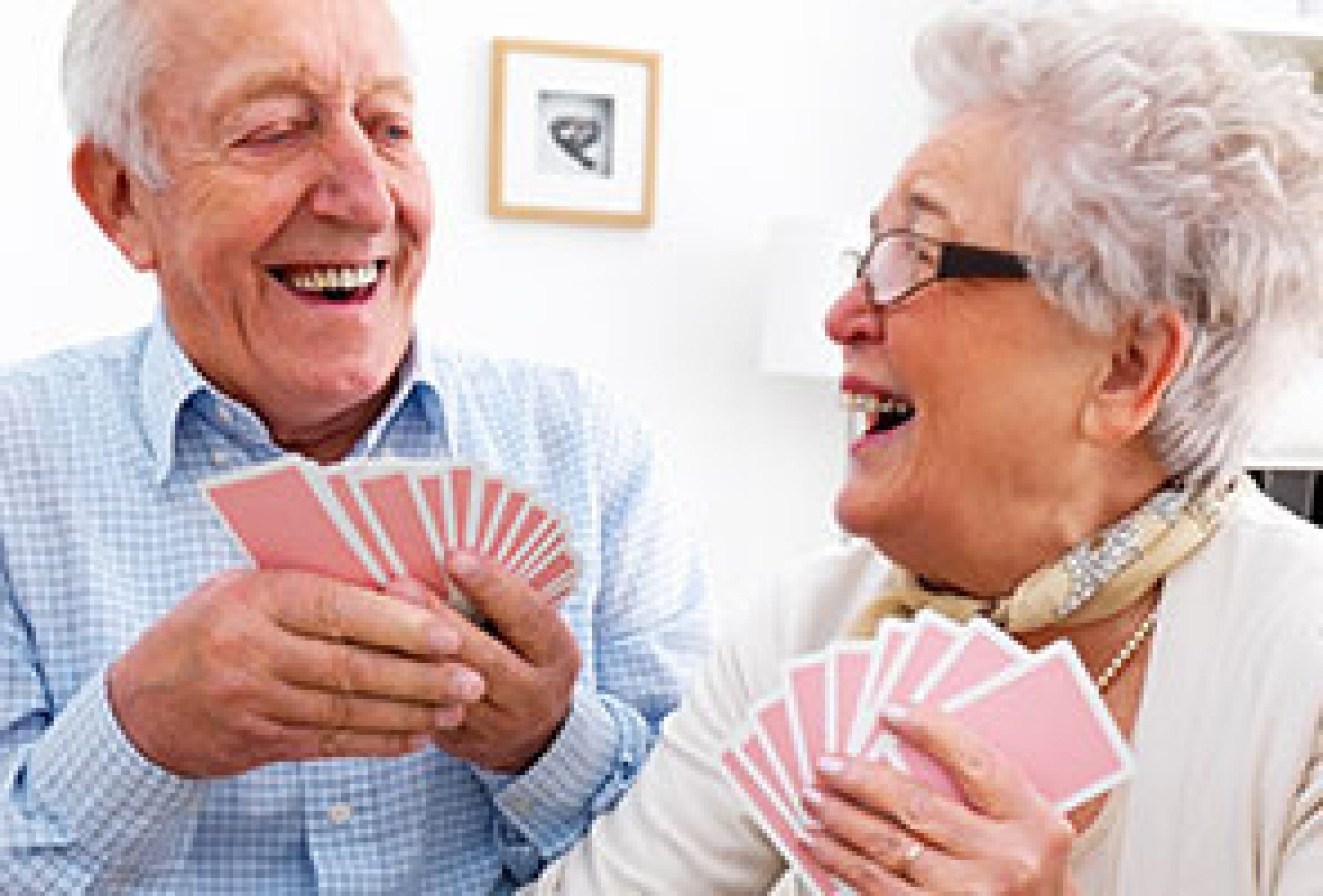 adult-day-care-seniors-playing-cards.jpg
